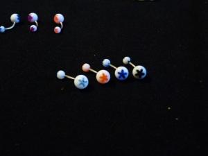 NOMBRIL : Ô l'étoile ! Bleu clair , Orange, Bleu foncé, Noir ( pu qu'un seul de chaque en stock, grouillez-vous !! )