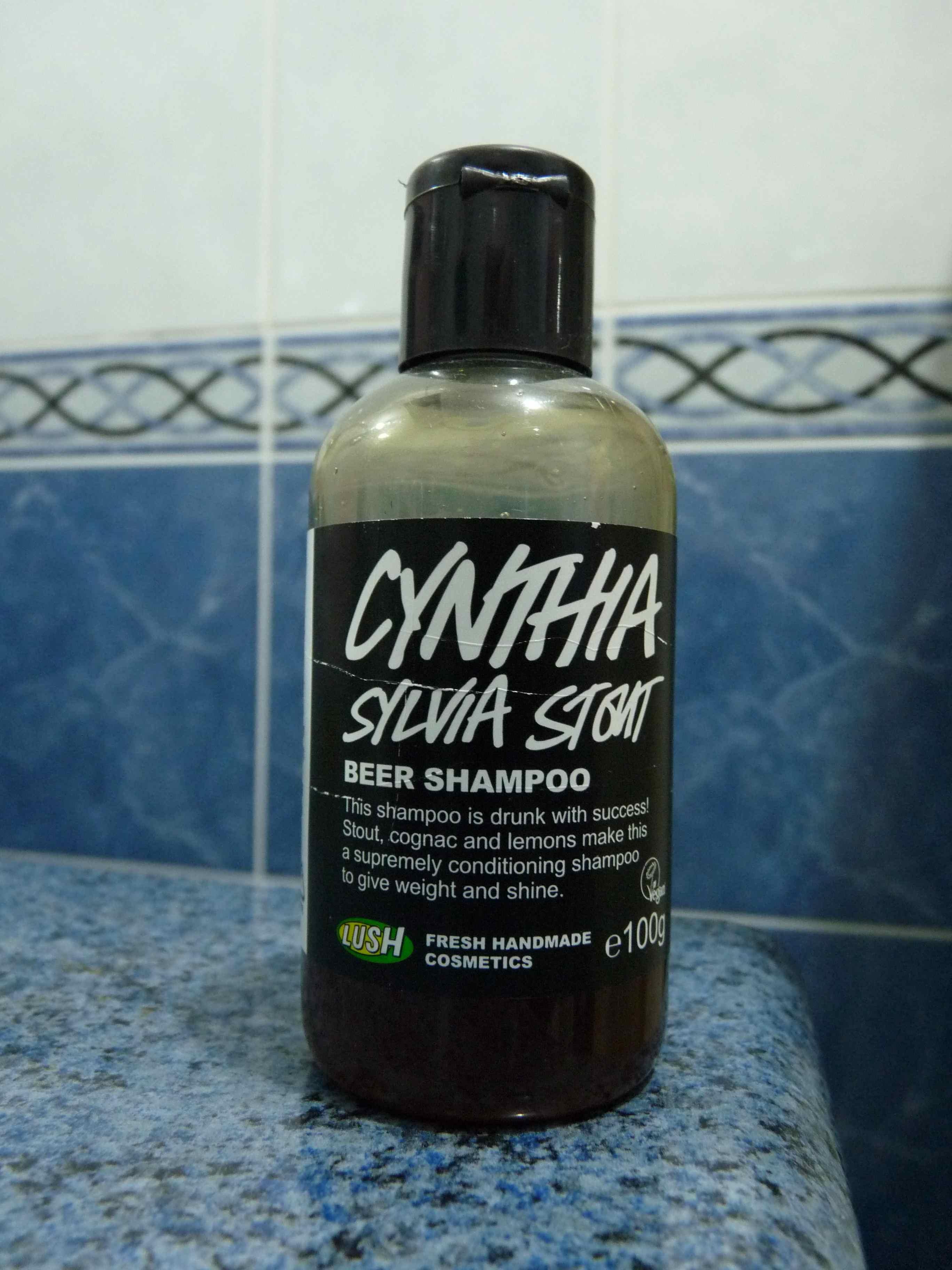 shampooing Lush Mousse brune bière sylvia stout