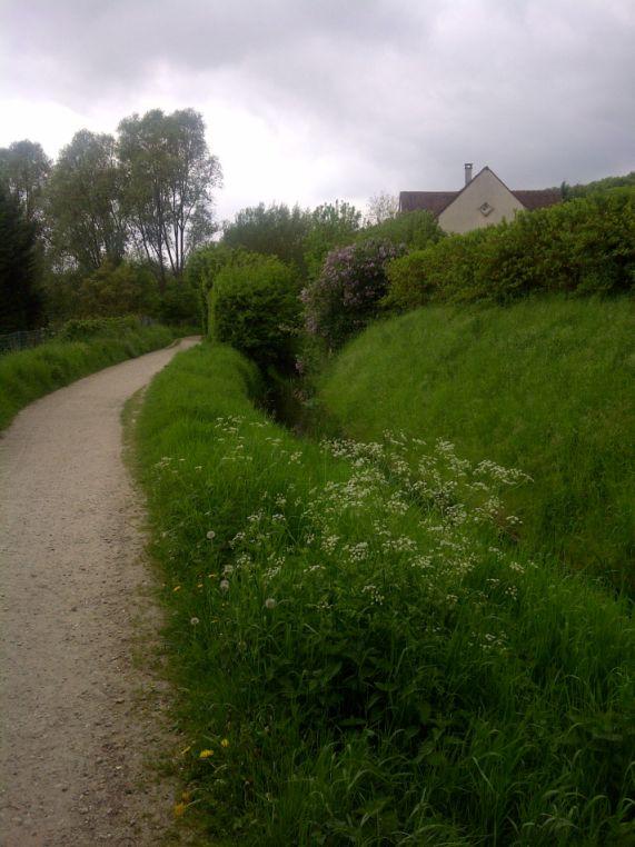 Le chemin plat du GR11