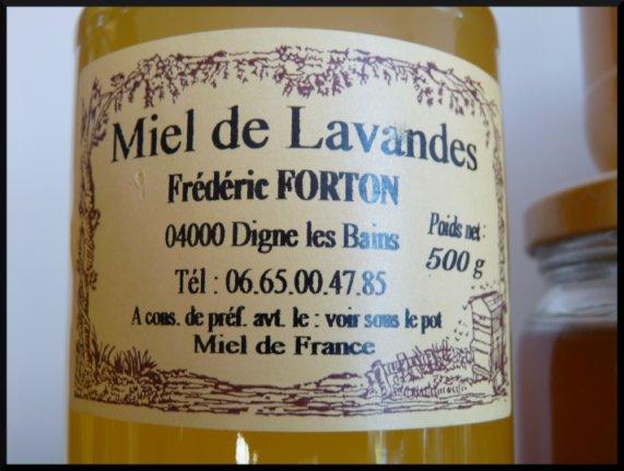 Le miel de lavande jeune , le miel de lavandes et celui de chataîgnier de Frédéric