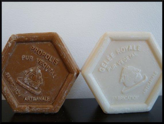 Deux savons artisanaux