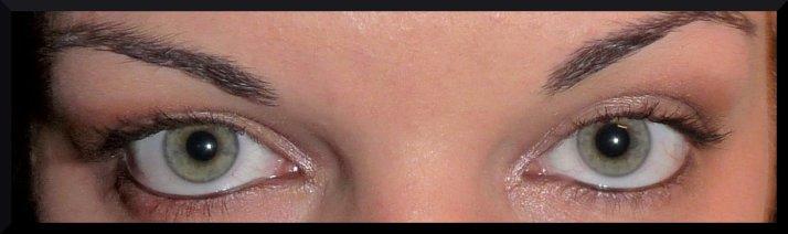 Les yeux qui crient braguette.