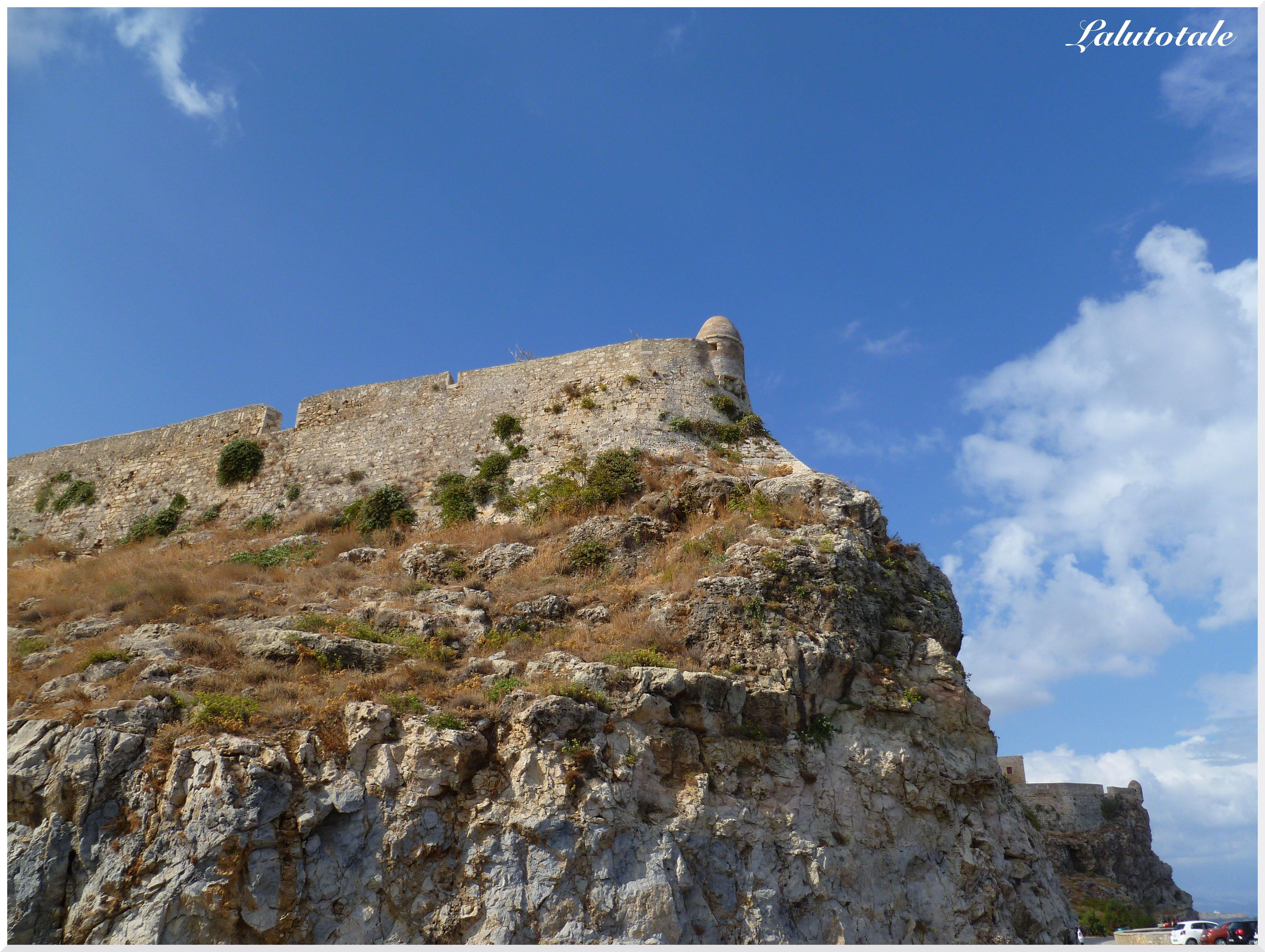 En contrebas de la forteresse vénitienne
