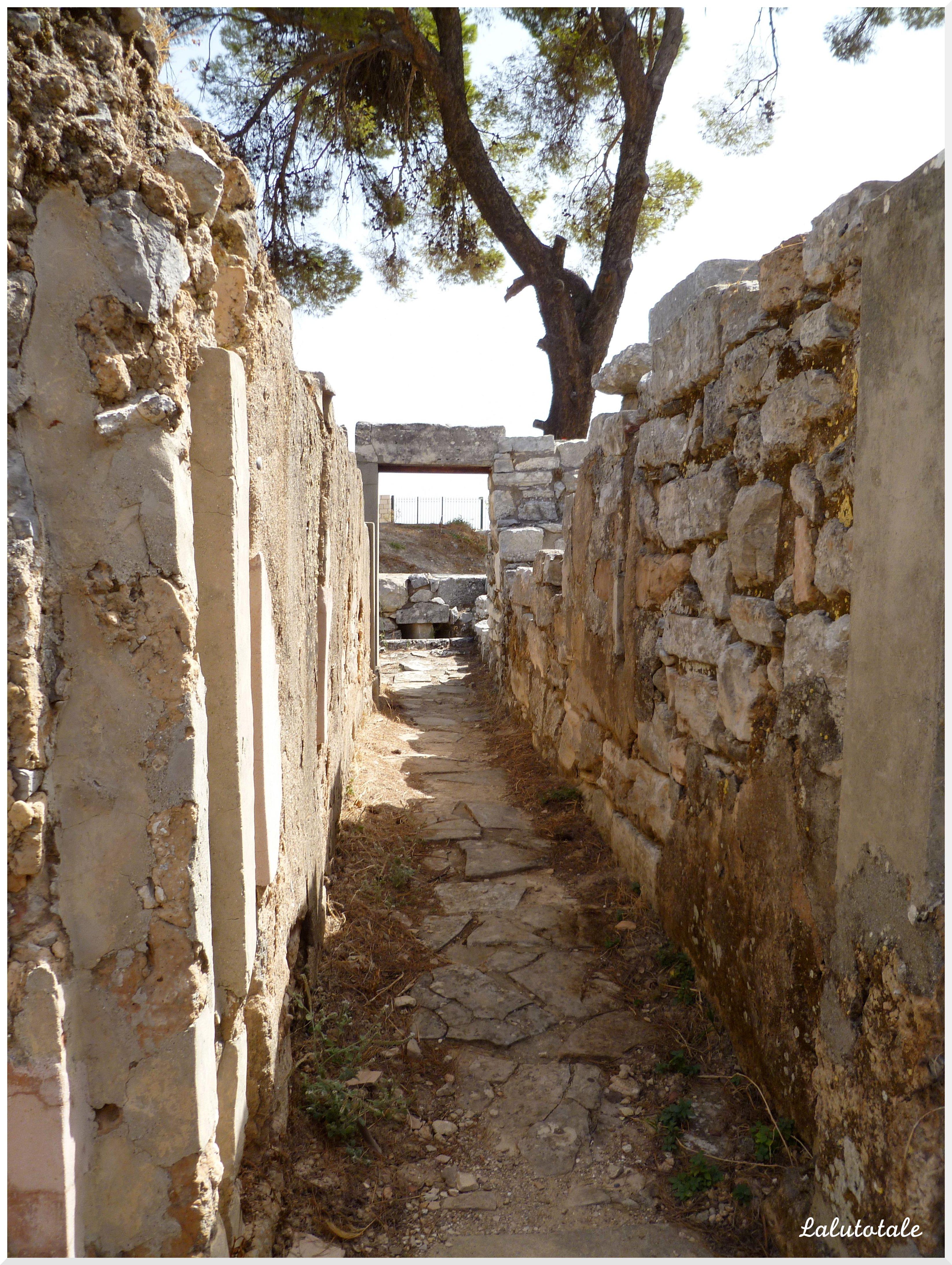 Crète dakos Tylissos Arolithos